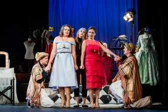 Ryedale Festival Opera - Cosi fan Tutte (photo Robert Workman)