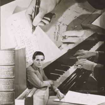 Angus McBean Photograph. © Harvard Theatre Collection, Houghton Library, Harvard University.