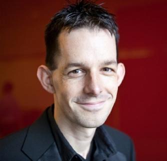 Iain Farrington (piano)