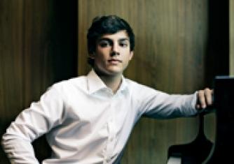 ECHO Rising Stars: Aaron Pilsan