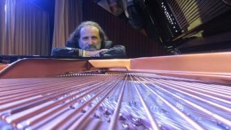 Juan María Solare, piano