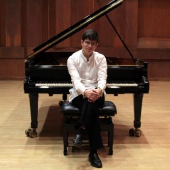 Ariel Lanyi - piano