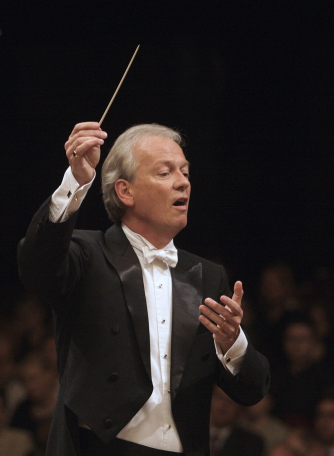Howard Shelley- conductor and piano soloist