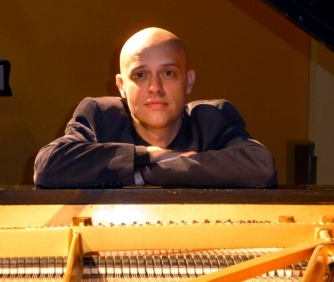 Viv McLean, piano