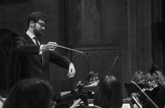 Scott Wilson conducing HSO. Photo by Philip Wilson