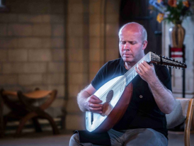 Matthew Wadsworth, theorbo