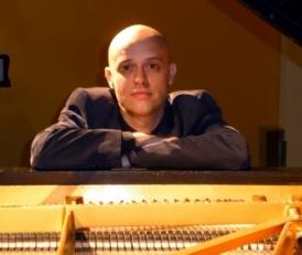 Viv McLean – piano
