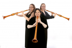 Blondel Medieval & Renaissance wind band specialise in trios of shawms, bagpipes and reccorders.