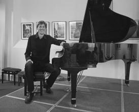 Soloist Stephen Marquiss