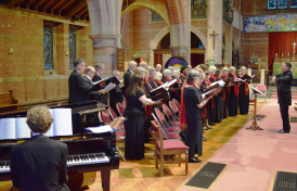 Elgar Chorale performing with Piers Maxim