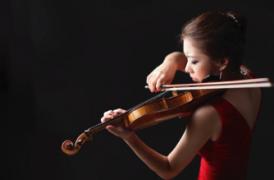 Korean violinist Julia Hwang