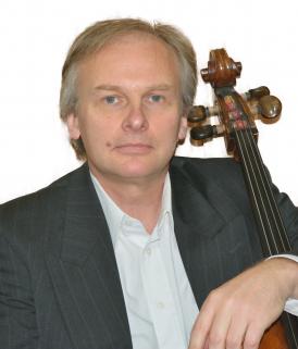 Soloist Mikhail Lezdkan