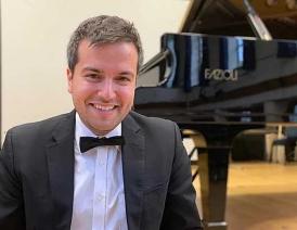 Florian Mitrea, piano