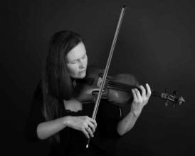 Zoë Beyers plays Schumann
