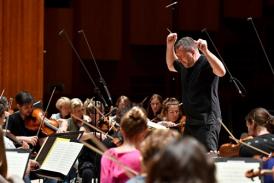 Thomas Adès - Britten Sinfonia Beethoven Symphony Cycle